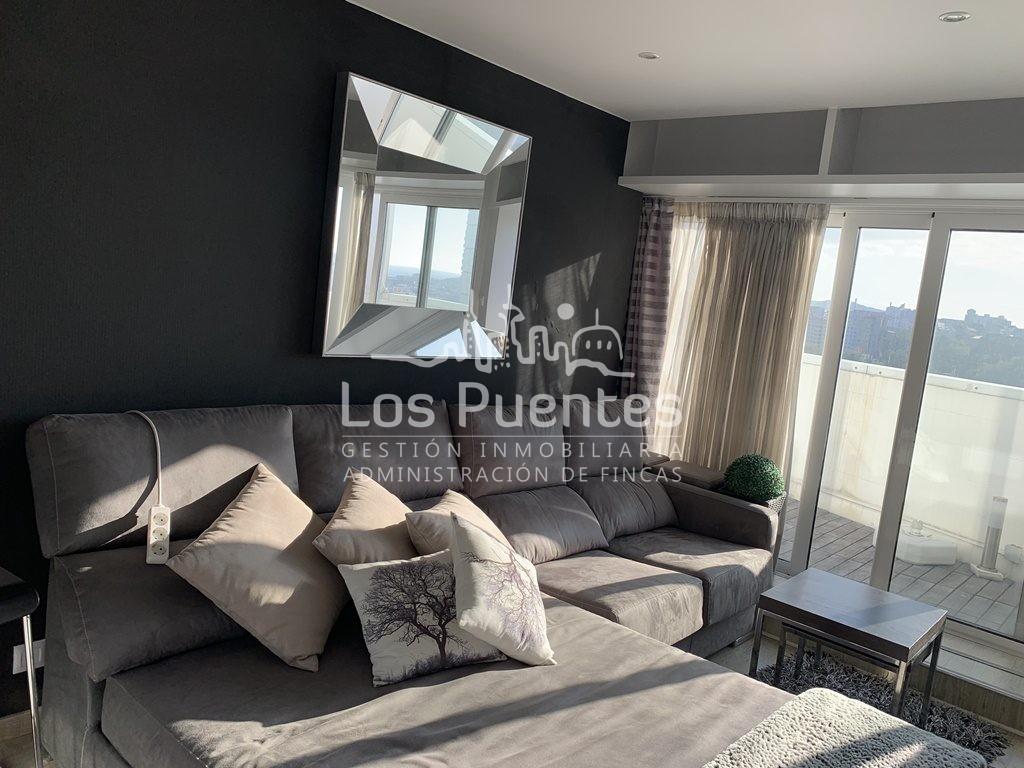 Apartamento con terraza en Linares Rivas