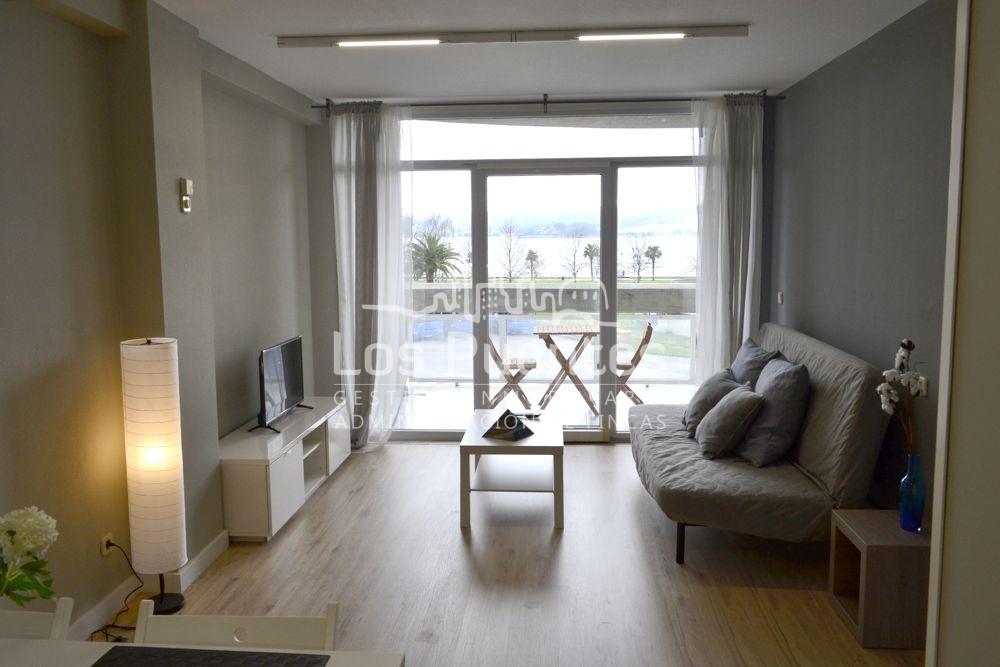 Apartamentos en alquiler vacacional. Vistas al mar