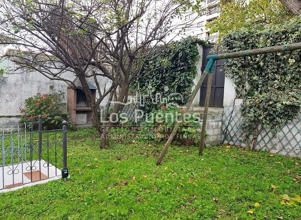 Casa con jardín en Avenida de Arteixo-Palacio de la Ópera.